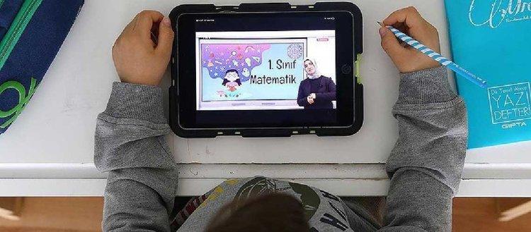 Savunma sanayisinden öğrencilere 19 bin tablet