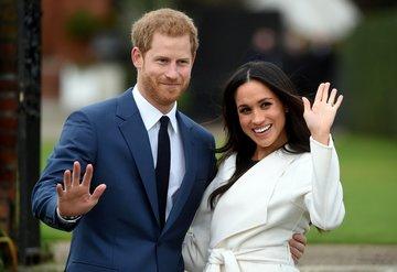 Prens Harry ve Meghan Markle kraliyetteki görevlerinden çekildi