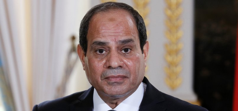 EGYPTS AL-SISI MEETS WITH CENTCOM CHIEF IN CAIRO
