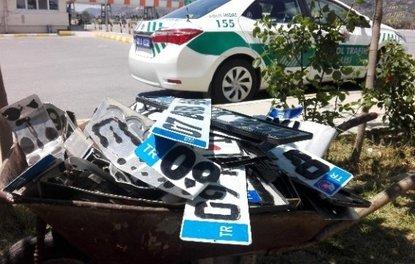 Polis, araçlarında APP plaka kullanan sürücülere ceza yağdırdı