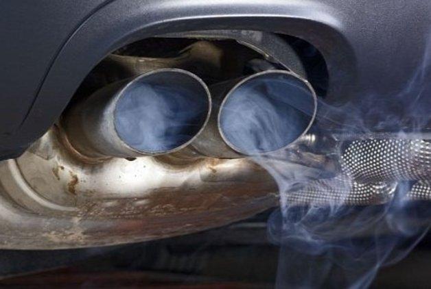 """Alman otomobillerindeki """"emisyon skandalı"""" yayılıyor"""