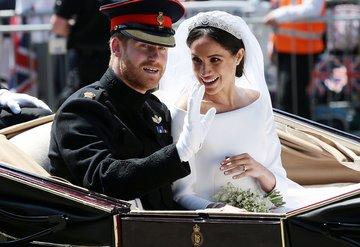 Meghan Markle ve Prens Harrynin düğününden önce taç krizi yaşanmış!
