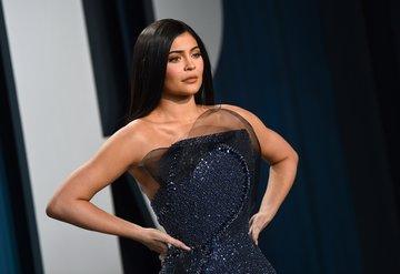 Kylie Jennerın serveti yalan mı?