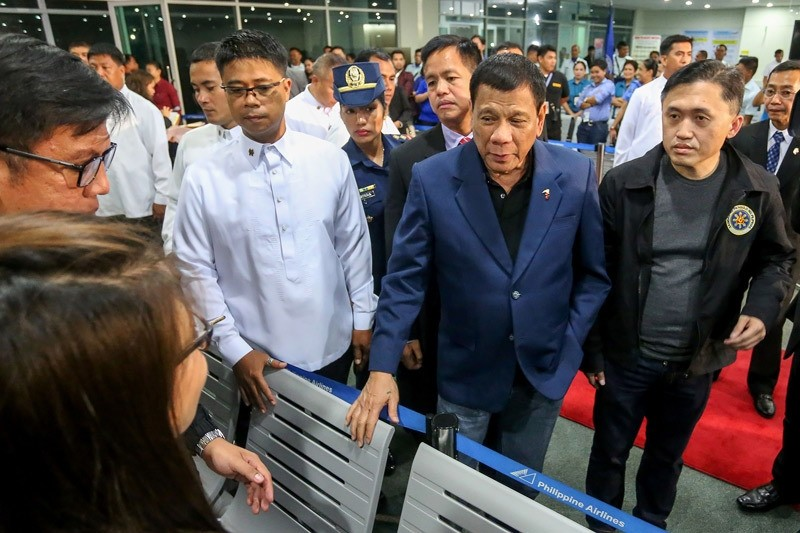 Philippine President Rodrigo Duterte said on October 22 he would not sever his nation's alliance with the United States, as he clarified his announcement that he planned to ,separate,.  (AFP Photo)