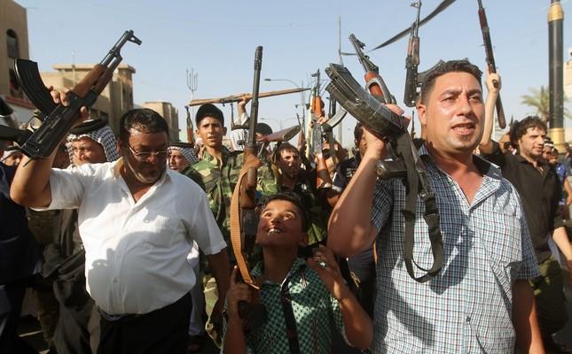 Sunni tribesmen (File Photo - Reuters)