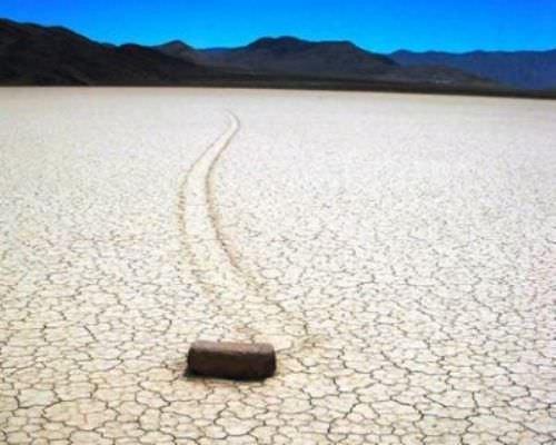 Kendi Kendine Hareket Eden Kayaların Sırrı Çözüldü