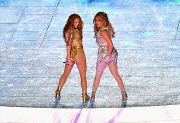 Shakira ve Jennifer Lopezin Super Bowl 2020 performansı!