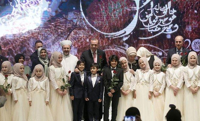 Cumhurbaşkanı Erdoğan İstanbul'da Kutlu Doğum Haftası, programına katıldı…