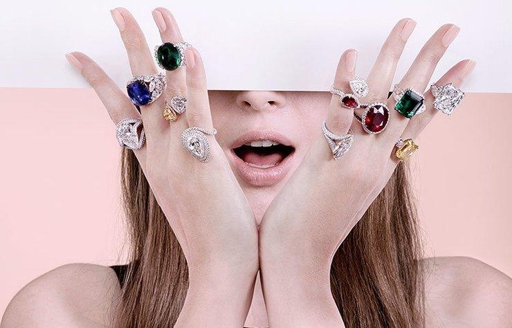 """""""Mücevherler dünyanın anılarıdır"""" mottosuyla farklı kültürleri mücevherlere aktarmak üzere kurulan Adler markasının yöneticileriyle mücevherlere dair her şeyi konuştuk..."""