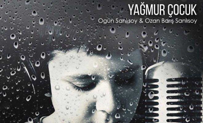 Ogün Sanlısoy, Oğluyla Birlikte Söyledi!