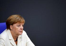 Son dakika: AB Bakanı Ömer Çelik'ten Merkel'e sert yanıt!