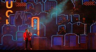 The Weekndden Super Bowlda Metropolis temalı performans