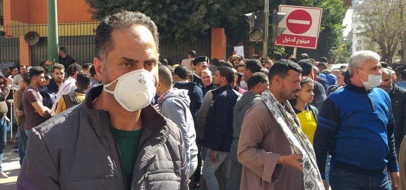 EGYPTS DOCTORS CRITICIZE GOVERNMENT OVER VIRUS NEGLIGENCE
