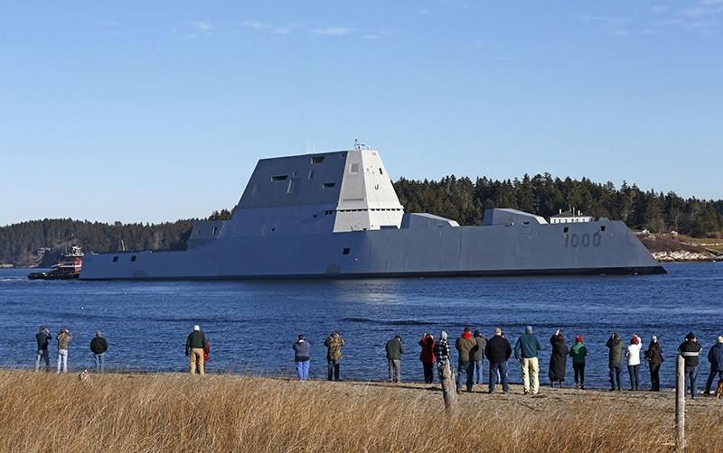 USS Zumwalt travels down the Kennebec River in Phippsburg, Maine. Dec. 2015. (AP Photo)
