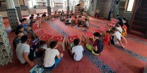 Kur'an Kursu Öğrencilerinin Mutlu Günü