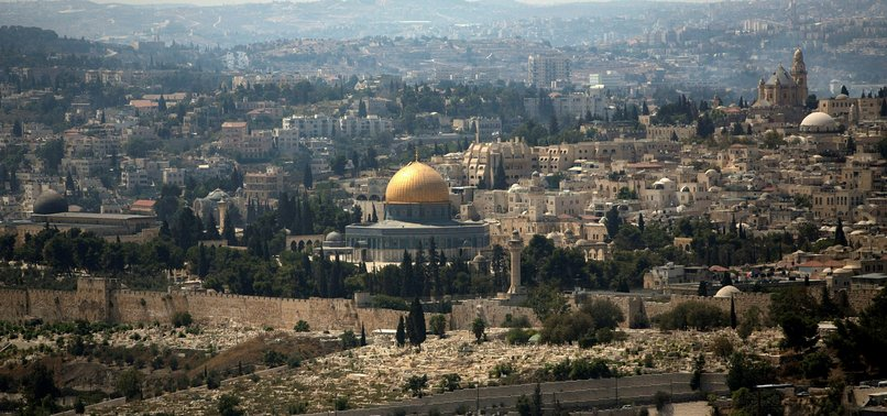 SCORES OF ISRAELI SETTLERS STORM JERUSALEMS AL-AQSA COMPOUND