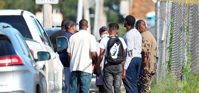 3 EMPLOYEES KILLED IN SHOOTING AT POSTAL FACILITY IN MEMPHIS