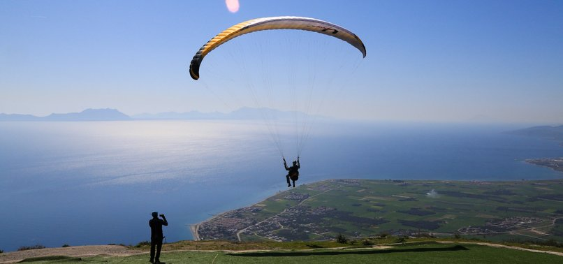SKYS NOT THE LIMIT FOR PARAGLIDERS IN TURKEYS ALATEPE