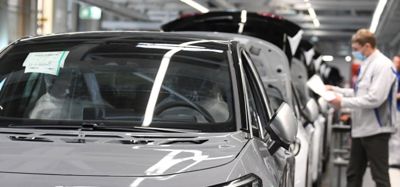 VOLKSWAGEN LOST $1.8 BILLION IN Q2 BUT SEES PROFIT FOR YEAR