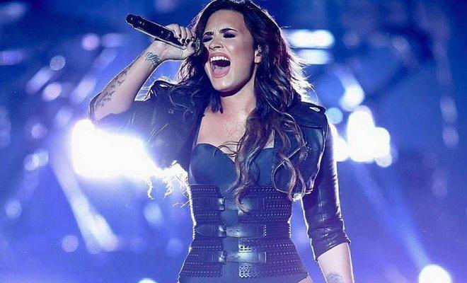 Demi Lovato Yeni Şarkısını Kime Armağan Ettiğini Açıkladı