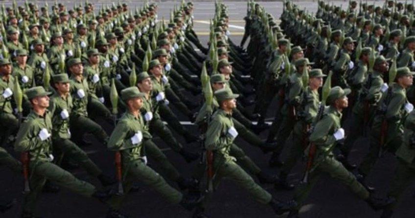 Trump seçildi, Küba ordusu alarma geçti