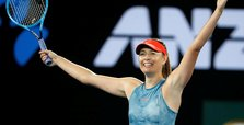 Sharapova beats Wozniacki at Australian Open