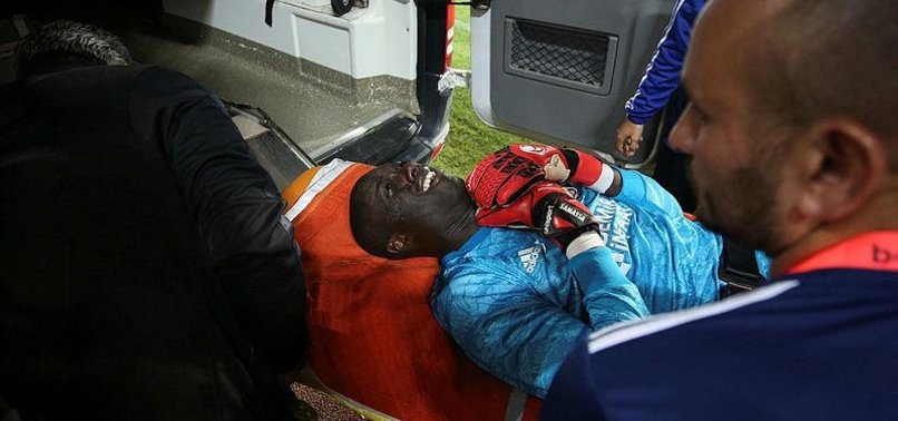 SIVASSPOR GOALKEEPER FAINTS DURING BEŞIKTAŞ MATCH