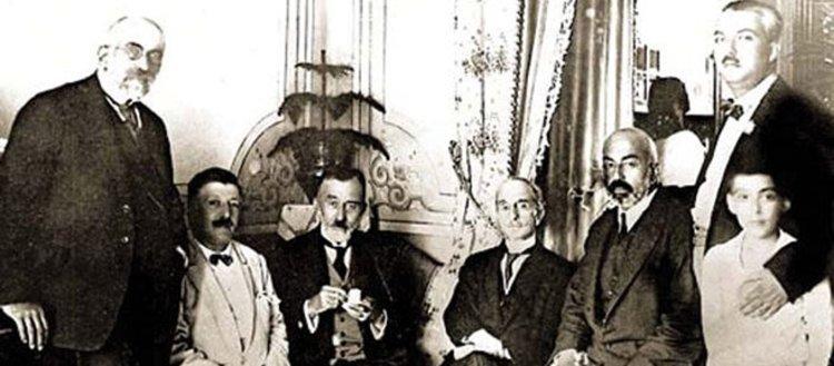 Türk edebiyatının diplomat yazarları