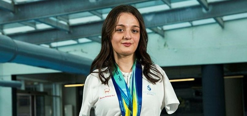 TURKISH SWIMMER COMES 2ND AT WORLD PARALYMPIC CHAMPS