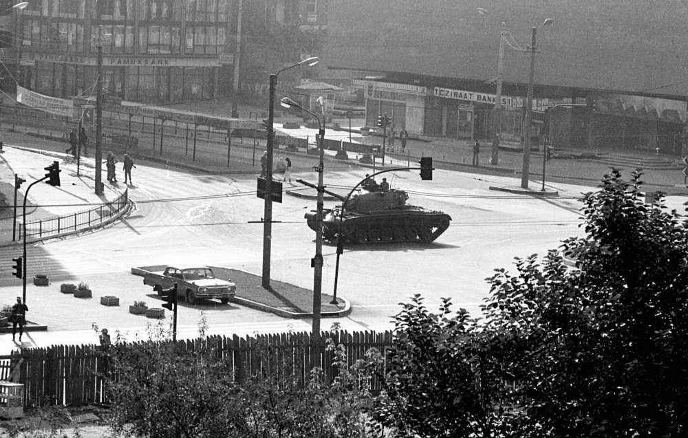 A tank stationed at the center of Ku0131zu0131lay, Square Ankara's main square, a few hours after the coup in 1980.