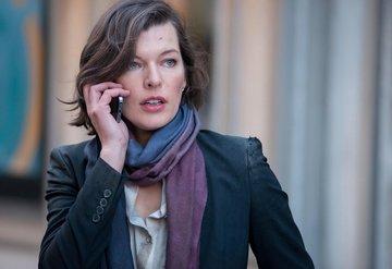 Milla Jovovich kızı için ülke değiştirdi