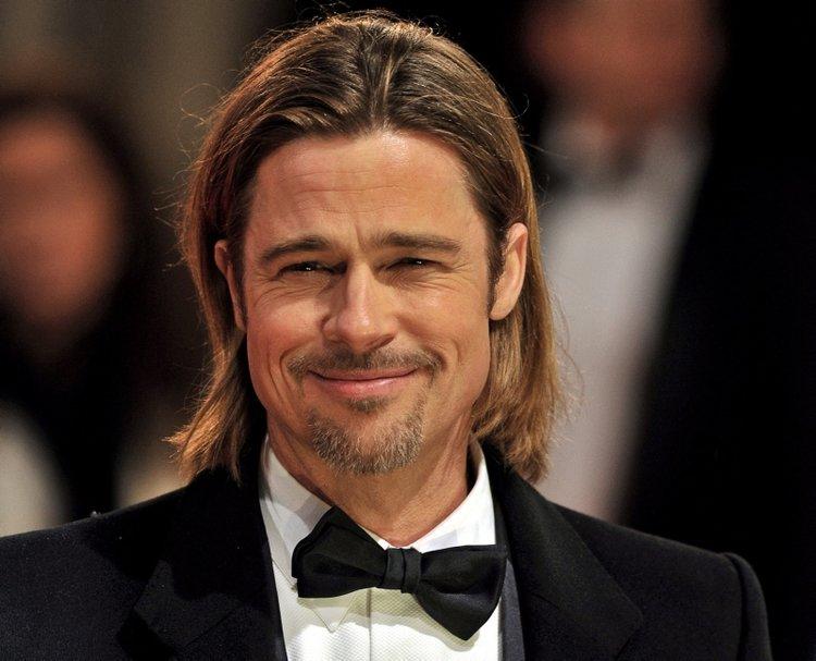 Brad Pitt ihtiyaç sahiplerine yiyecek dağıttı
