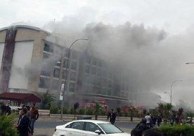 Kemer'de otel yangını: 400 kişi tahliye ediliyor