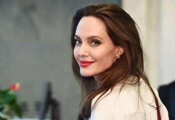 Angelina Jolie dergi editör oldu