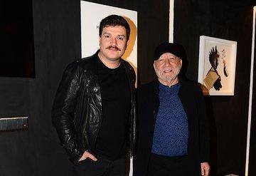 Mehmet Turgut'un sergisine ünlü akını