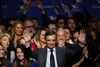 France's Fillon seen as clear favorite in Sunday's conservatives primary: poll