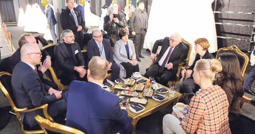 Steinmeier Türk esnafı ziyaret etti