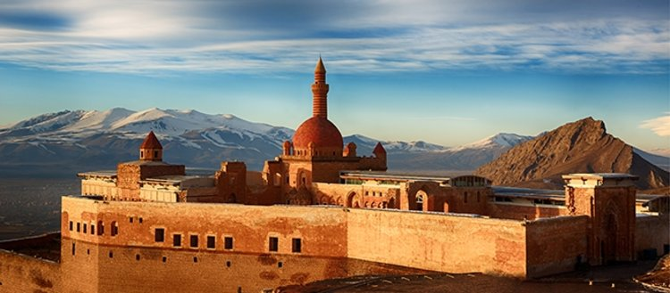 Doğunun mücevheri İshak Paşa Sarayı