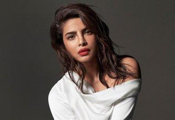 Max Factor'ün Yeni Küresel Elçisi: Priyanka Chopra