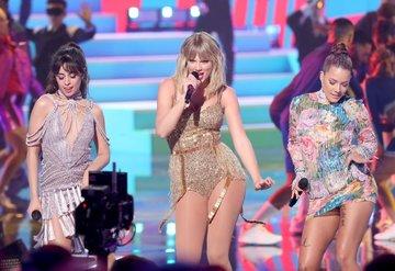 Amerikan Müzik Ödülleri (AMAs) 2019 sahne şovları