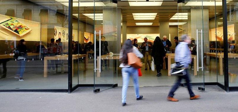 SMOKING IPHONE BATTERY FORCES EVACUATION AT ZURICH STORE