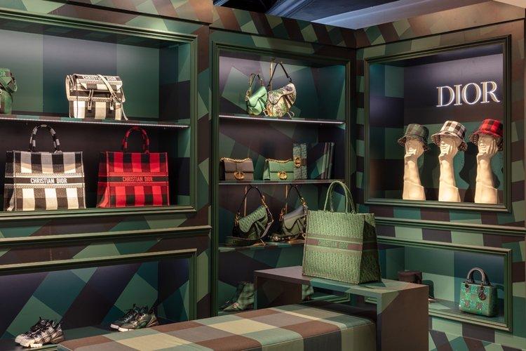 Dior Harrods'ta pop-up store açtı