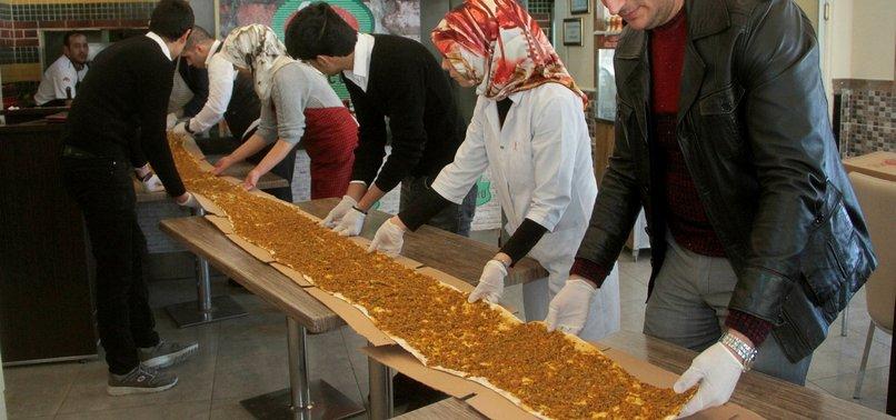 OVER 20 CHEFS CREATE 34-METER-LONG LAHMACUN IN TURKEY'S ELAZIĞ