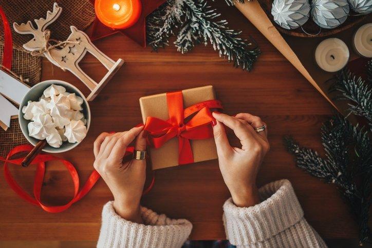 Sevgiliye alınacak en güzel yılbaşı hediyeleri