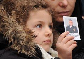 5 yaşındaki Duru, 'Babasının onu gördüğünü düşünüp bulutlara el sallıyor'