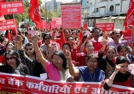 Hindistan'da banka çalışanları 1 günlük greve gitti