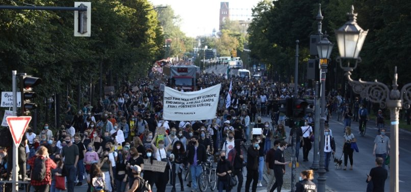 THOUSANDS RALLY IN BERLIN FOR RELOCATION OF MIGRANTS FROM GREECE