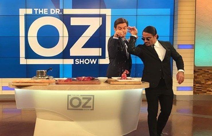 ABD'de yayın yapan bir televizyon kanalında 'The Dr. Öz Show' programı yapan Dr. Mehmet Öz, konuk olarak Nusret'i ağırladı.