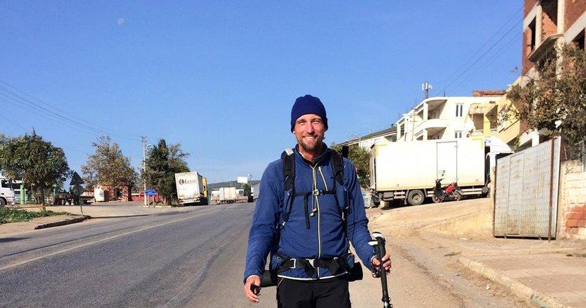 Yürüyerek İsrail'e giden bir Alman