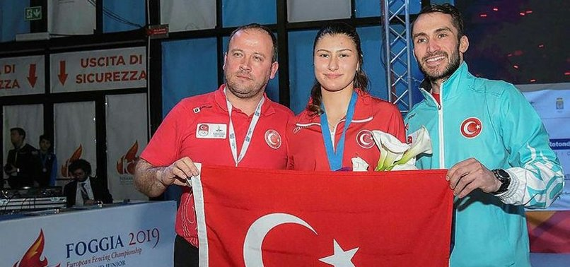 TURKISH WOMAN FENCER WINS SILVER IN JUNIOR WORLD CUP